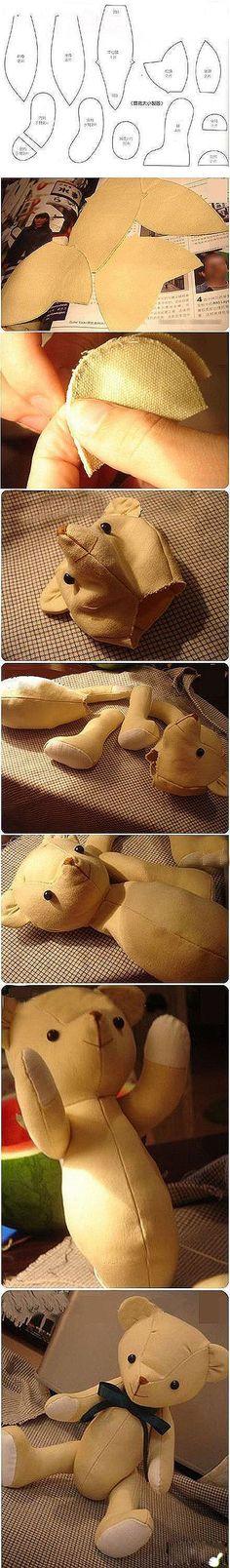 sewing a teddy bear picture tutorial Diy Teddy Bear, Cute Teddy Bears, Sewing Toys, Sewing Crafts, Sewing Projects, Felt Crafts, Fabric Crafts, Diy Crafts, Softies