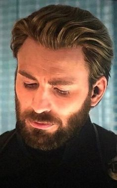 Chris Evans graduated to Captain Daddy in Avengers Infinity War!