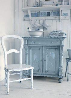 Perfect French Shabby Chic Interior Design – Shabby Chic Home Interiors Decor, Furniture Makeover, Painted Furniture, Furniture, Green Decor, Shabby Chic Furniture, Chic Furniture, Shabby Chic, Beautiful Furniture