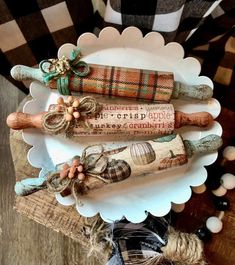 Autumn Crafts, Holiday Crafts, Decoupage, Craft Show Ideas, Dollar Tree Crafts, Primitive Crafts, Fall Diy, Craft Fairs, Crafts To Sell