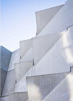 KHR Architects - Hedorf's Residence Hall, Denmark Angular Architecture, Gothic Architecture, Facade Architecture, Amazing Architecture, Concrete Facade, Precast Concrete, White Concrete, Facade Design, Exterior Design