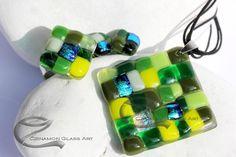 Zöld árnyalatok, mozaik, üvegékszer szett Glass Jewelry, Jewelry Sets, Usb Flash Drive, Glass Art, Jar Art, Usb Drive