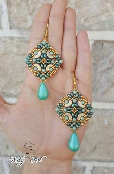 Earrings Majolica beading pattern by NickyArtGioielli on Etsy - Ideas In Crafting Beaded Jewelry Designs, Seed Bead Jewelry, Seed Bead Earrings, Jewelry Patterns, Beading Patterns, Beaded Earrings, Handmade Jewelry, Seed Beads, Twin Beads