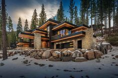 Fabulous mountain dwelling with jaw dropping views of Martis Valley modern-mountain-home-exterior Mountain Home Exterior, Modern Mountain Home, Dream House Exterior, Mountain Homes, Luxury Homes Dream Houses, Style At Home, Modern House Design, Exterior Design, Architecture Design