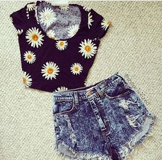 Daisy crop top and high wasted shorts