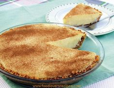 South African milk tart, old Dutch dessert pie Cream Pie Recipes, Custard Recipes, Tart Recipes, Pudding Recipes, Sweet Recipes, Dutch Desserts, Just Desserts, Quiche Tart Recipe, Melktert Recipe