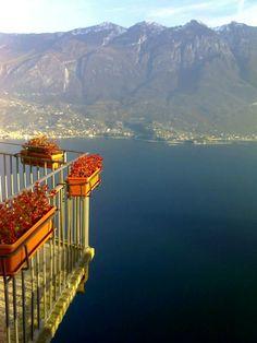 Buon primo Maggio #AmiciDelGarda. Il #MonteBaldo visto da #Tremosine [foto Davide Giannotti] #LagoDiGarda #VisitLagoDiGarda #LakeGarda #VisitLakeGarda