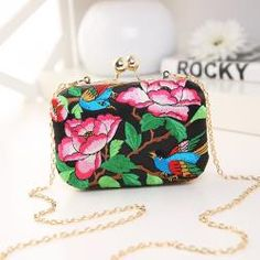 Teridiva European and American Style Floral Handbag Chain Shoulder Bag Embroidery Ethnic Bags Spain Style Evening Clutch Bags Chain Shoulder Bag, Small Shoulder Bag, Best Leather Wallet, Vintage Clutch, Womens Purses, Vintage Handbags, Wallets For Women, Evening Bags, Purses And Handbags