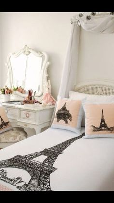 Paris Room Theme. Love the comforter! So want my room to look like this!