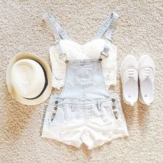 Would probaly look good with my new overalls like this one, I think I will try this out but I need to buy some flats. (casual summer outfits for teens hats) Tumblr Outfits, Hipster Outfits, Mode Outfits, Casual Outfits, Fashion Outfits, Fashion Trends, Casual Shorts, Dress Fashion, Fashion 2015