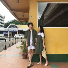 bestie cach dien do doi dep nhu ulzzang han 5 Set Fashion, Fashion Couple, Punk Fashion, Fashion Accessories, Fashion Dresses, Couple Ulzzang, Ulzzang Girl, Matching Couple Outfits, Matching Couples