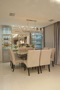 Small Dining Room Ideas Interior Decorating Ideas For Small Dining Rooms Small Dining Room Ideas. Are you looking for decorating tips for your small dining room? Dining Room Design, Kitchen Design, Dinner Room, Small Dining, Trendy Home, Home Interior Design, Modern Interior, Living Room Decor, Sweet Home