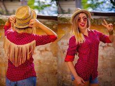 Camasa Cowgirl: 110 ron  http://dianagrigoriu.ro/shop-ul-meu/articole-vestimentare-prototip