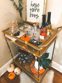 Source: Oct 18 Bar Cart Decorating Ideas For Halloween Diy Bar Cart, Gold Bar Cart, Bar Cart Styling, Bar Cart Decor, Bar Carts, Fall Home Decor, Autumn Home, Canto Bar, Mini Bar