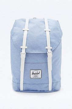 Beautiful Hershel backpack in a light blue for summer.