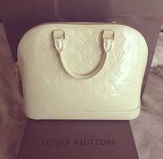 tumblr_naoxipY5ma1r0i3f7o1_500.jpg (500489) www.lv-outletonline.at.nr $161.9 Louisvuitton is on clearance sale, the world lowest price. The best Christmas gift