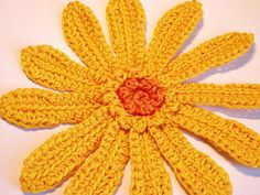 Yellow Daisy Flower : Free Crochet Pattern