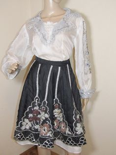 Romanian complete costume from Banat, vintage costume from 1970 - 1985. It is formed of blouse, skirt and apron all hand beaded. Ethnic Outfits, Vintage Costumes, Apron, High Waisted Skirt, Traditional, Blouse, Skirts, Collection, Fashion