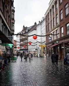 {Streets}  Le strade di Copenhagen che ti rimangono nel cuore  Il mio racconto lo trovi nel link in bio