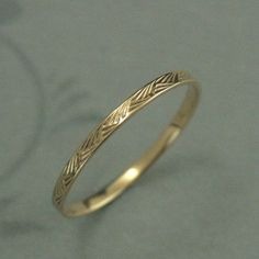 Vintage Style Ring Detailed Ring Gold Ring Patterned Gold Ring Brush Strokes Band Women's Wedding Ring Pattern Band Gold Wedding Band Hand cast in our studio, this band is part of my new line of thin patterned wedding rings. The hashmark design reminds Womens Wedding Bands, Wedding Rings For Women, Gold Wedding Bands, Wedding Jewelry, Ring Set, Ring Verlobung, Solid Gold, White Gold, Vintage Style Rings