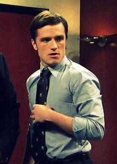 Josh Hutcherson, can I please marry you and have a mini hutcherson?