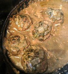 Slow Cooked Swedish-Style Meatballs