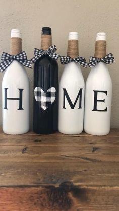 Wine Bottle Art, Glass Bottle Crafts, Painted Wine Bottles, Diy Bottle, Crafts With Wine Bottles, Decorative Wine Bottles, Custom Wine Bottles, Wine Bottle Glasses, Christmas Wine Bottles
