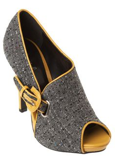 these shoes are just calling out for a mustard-yellow Chanel suit!