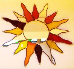Galerie : Vitraux d'Art Vanessa Dazelle Mosaic Designs, Tiffany, Stained Glass Patterns, Glass Design, Mosaics, Tigger, Mythology, Glass Art, Creations