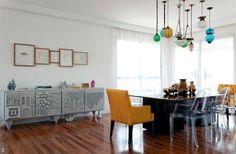 Cadeiras-diferentes-na-mesa-de-jantar-007.jpg (590×387)