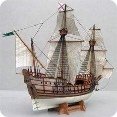 San Salvador paper model