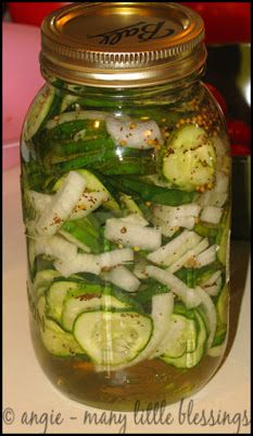 quick and easy (and delicious!) bread and butter pickles - no special equipment or canning experience necessary!
