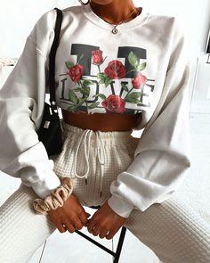 Womens Style Discover Quarantine Sale Love U Forever Sweatshirt Tap the image to shop Stylish Outfits, Cute Outfits, Fashion Outfits, Womens Fashion, 90s Fashion, Girl Fashion, Fashion Tips, Mode Inspiration, Fashion Inspiration