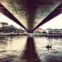 Under the bridge (by anthonychirco)