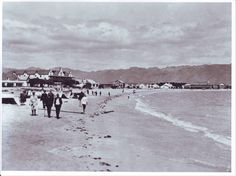 Strand beach - 1918 Strolling on the beach in Strand has definitely been a favorite pass time for more than a century! Best Family Beaches, Beach Road, The Old Days, Most Beautiful Cities, African History, Coastal Homes, Africa Travel, Cape Town, Old Photos