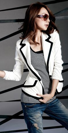Women'S White Blazer With Black Trim