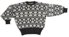 Siirry tuotteeseen - harmaavalkoinen villapaita