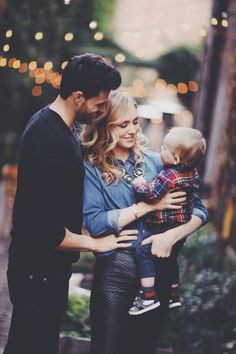 20 Full Dreamy of Family Photography Ideas Cute Family, Fall Family, Family Goals, Beautiful Family, Family Christmas Pictures, Family Pictures, Ohana Means Family, Children And Family, Photo Instagram