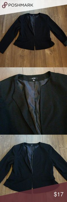 "Apt 9 women's black blazer size 16 Cute stylish ""collarless "" blazer from apt 9 women's  Size 16  Excellent used condition no flaws  Pet free smoke free home Find more items in my closet to bundle and save on shipping Apt.9 Jackets & Coats Blazers"