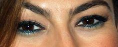 eva mendes eyeliner...green on the bottom along w/ black