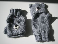 Mittens and mittens for kids Acrylic Gray Bear Head: Mittens, gloves by cecile-haberdashery Crochet Mittens, Crochet Gloves, Knit Crochet, Bear Head, Haberdashery, Hand Warmers, Kids And Parenting, Fingerless Gloves, Baby Knitting