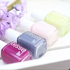 Live life in color -- spring up and paint this week fabulous with chalet, petal pushers, floweriest and fiji. Chic Nails, Classy Nails, Love Nails, How To Do Nails, Pretty Nails, Essie Colors, Nail Polish Colors, Nail Polishes, Manicure Tips