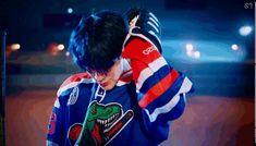 #NCT #90sLove #RESONANCE NCT U 90's Love NEO CULTURE TECHNOLOGY NCT gif NCT gif SM ENTERTAINMENT MARK LEE TEN SUNGCHAN JENO JAEMIN HAECHAN YANG YANG NCT.gif NCT U 90's Love.gif boygroup music video gif for tumblr twitter NCT 2020 Nct Jeno, Mark Nct, Ji Sung, Love S, Nct Dream, Haha, Music Videos, Aesthetics, Bullet Journal