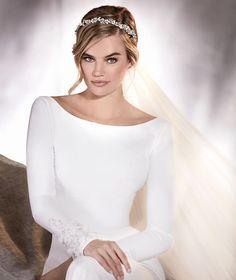 Pronovias > ALANA - Vestido de novia en crepe, manga larga y escote barco