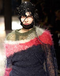 Junya Watanabe (Japanese, born 1961), fall/winter 2006–7. Photograph by Catwalking #punkfashion