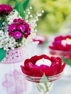 Spring Fiesta Add easy flair to your spring alfresco dining. Here's a super simple decoration: Drop a peony bloom into a margarita glass and top it with a tea light. Ideas Prácticas, Party Ideas, Decor Ideas, Candle Centerpieces, Al Fresco Dining, Deco Table, Tablescapes, Floral Arrangements, Flower Arrangement