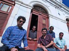 No novo trabalho, o quinteto pernambucano aposta em uma pegada mais punk rock, mas sem deixar evaporar as variadas referências afro, latinas e brasileiras.