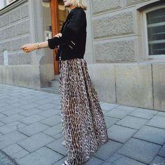 819951b46d Sexy Deep V Collar Leopard Printed Maxi Dress