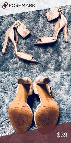 White Snakeskin Vince Camuto Sandal Heels White snakeskin design Vince Camuto sandals. Super comfortable and I'm great condition! Vince Camuto Shoes Heels