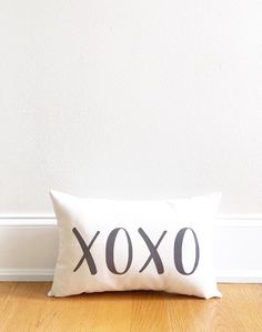 mothers day gift, xoxo pillow cover, throw pillow, gift for mom, wedding pillow, cotton anniversary